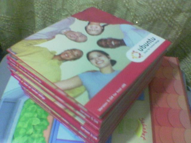 Ubuntu Linux CD - 15 of them